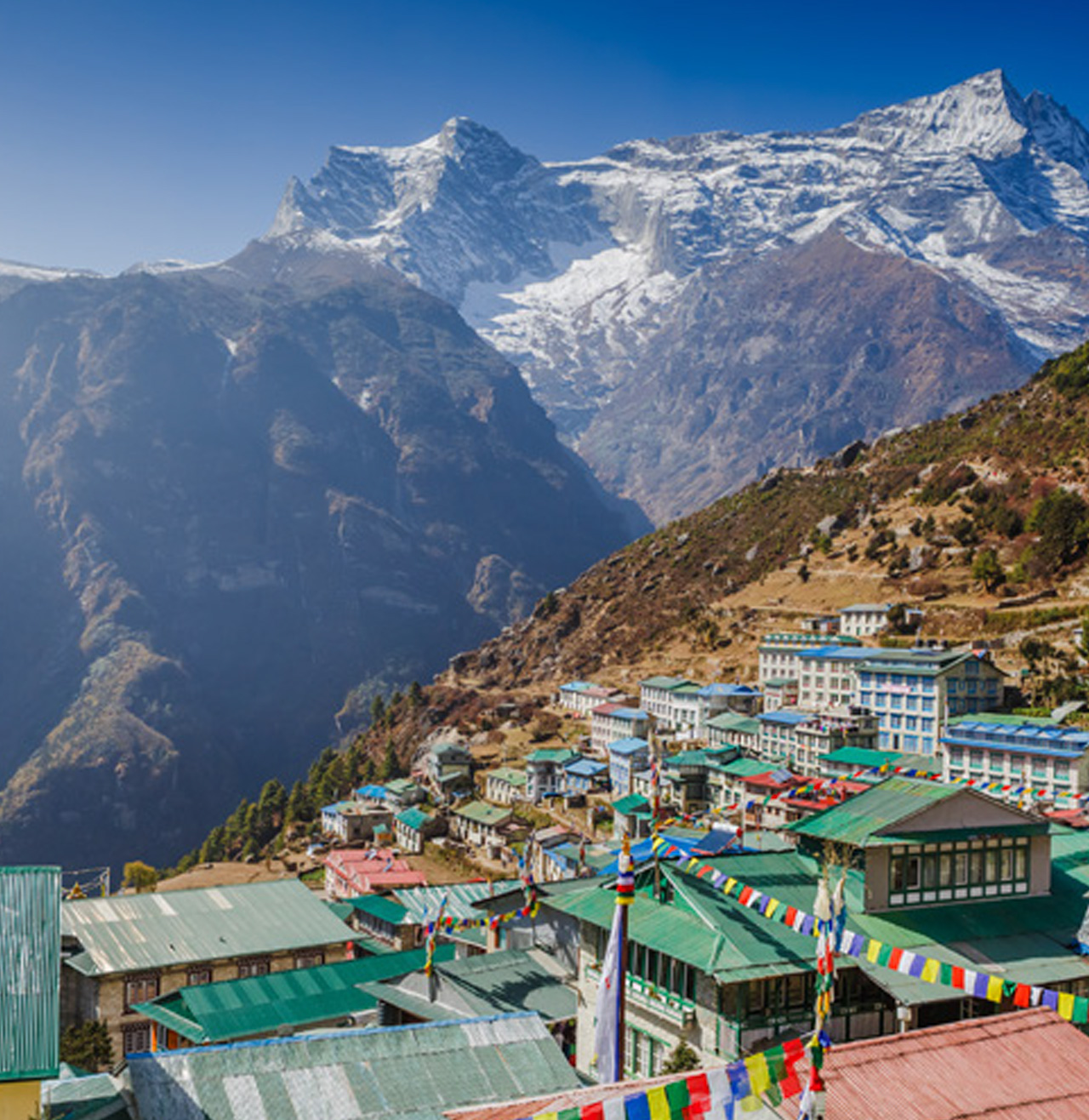 PRODUCING EGGS ON THE TOP OF THE WORLD LOHMANN'S SUCCESS IN NEPAL